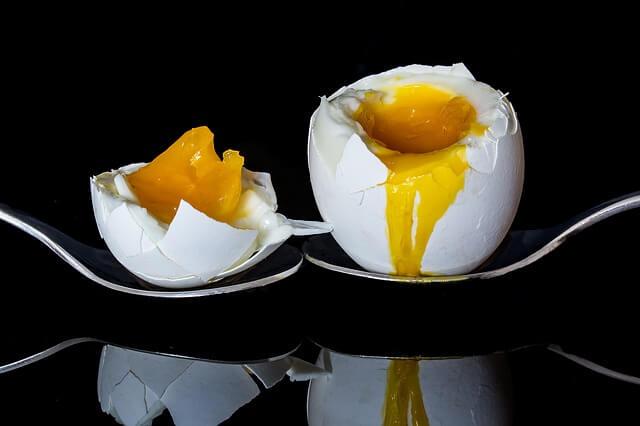 Haşlanmış yumurta nasıl kolay soyulur